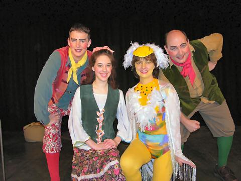 Selected Picture from Panto 2005 - Mother Goose